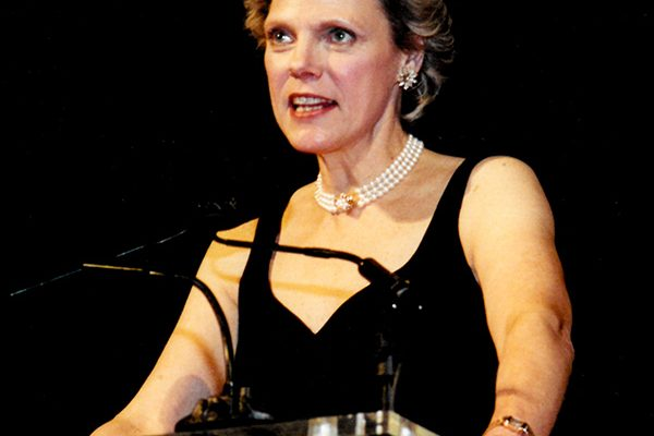 Cokie Roberts speaks at the 2002 NCCS Ribbon of Hope Gala.